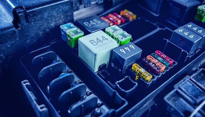 Fermele de energie solara ofera o a doua viata bateriilor EV