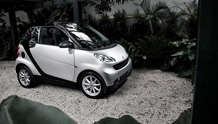 Daimler schimba managementul Smart pentru un viitor complet electric
