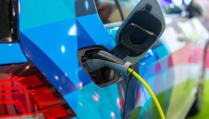 8 motive sa cumperi un vehicul electric in 2020