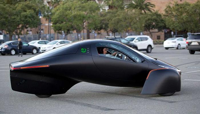 Aptera anunta vehiculul electric cu o autonomie de 1600 km si lanseaza pre-comenzile